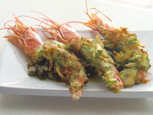 Gamberoni con crosta di zucchine